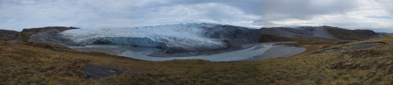 The glacier before it calved, on August 20, 2014. © Mia Bennett.