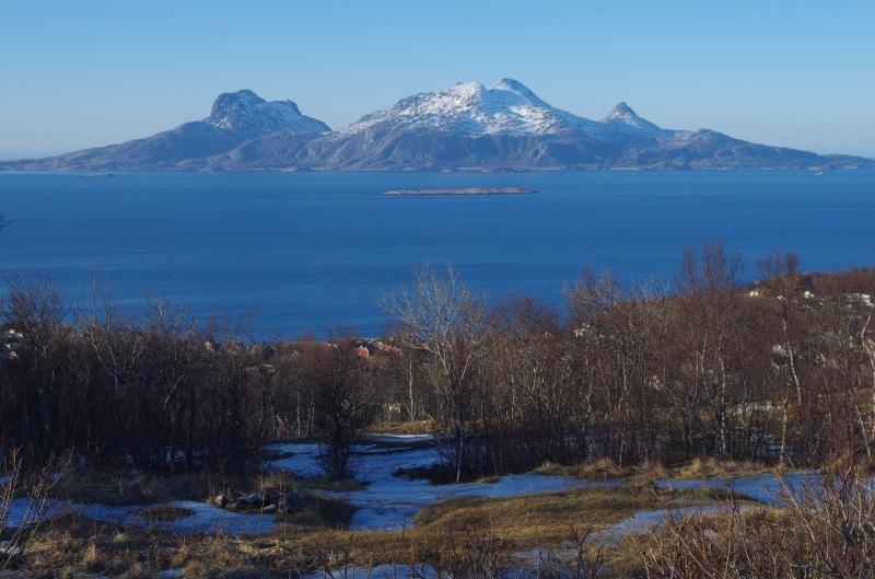 Mountainous island on the Norwegian Sea. Photo: © Mia Bennett