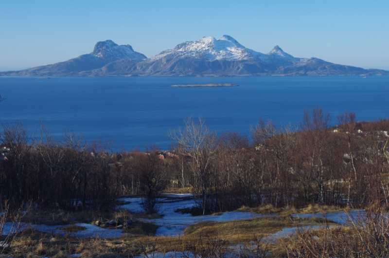 Mountainous island on the Norwegian Sea. Photo: © Mia Bennett