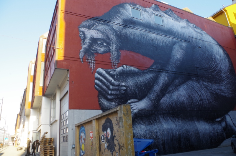 Who is scaring who? Mural in Bodø. Photo: © Mia Bennett