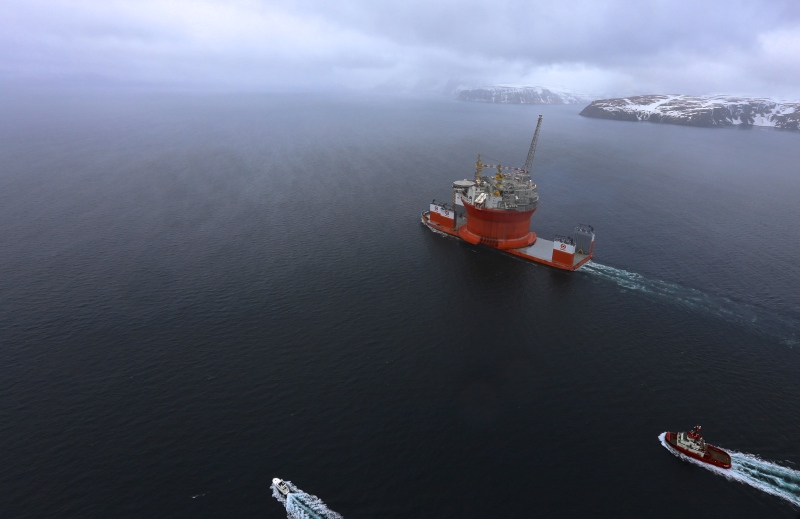 Dockwise Vanguard arrives in Hammerfest with Goliat FPSO on board on April 17, 2015. Photo courtesy Eni Norge.