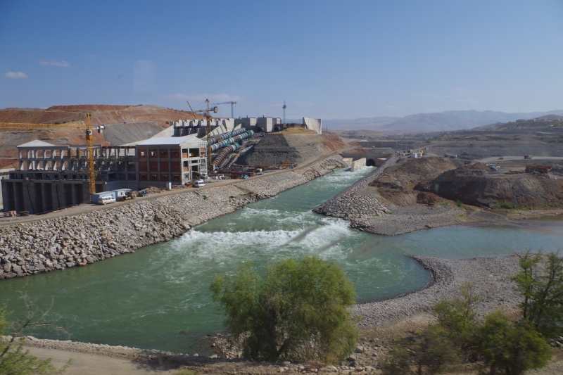 A dam seen from the train between Kayseri and Kars. © Mia Bennett, 2013.