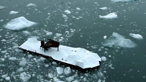 Arctic piano concert, Greenpeace