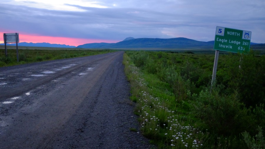 Dempster-Highway-Dawn-Sign