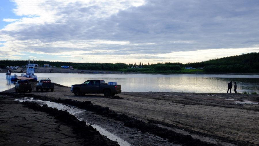 Dempster-Highway-Peel-River-Ferry-Closed