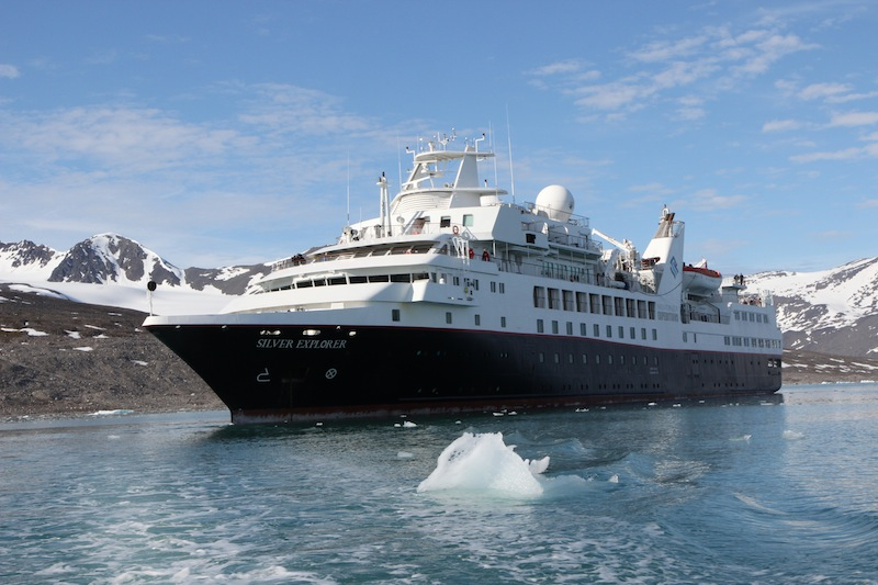 The Silversea Silver Explorer ship at Monacobreen Glacier in Svalbard. Photo: WikiMedia Commons